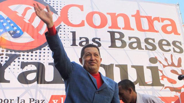 El presidente de la República Bolivariana de Venezuela, Hugo Chávez, esta tarde durante la multitudinaria Marcha por La Paz, en rechazo a las bases militares estadounidenses instaladas en Colombia.
