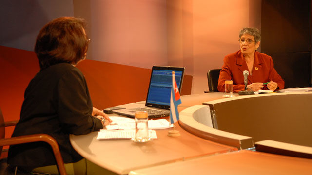 Lesbia Cánovas , Presidenta de la Asociación de Pedagogos, destacó que Cuba fue de las primeras naciones en firmar La Convención de Naciones Unidas sobre los Derechos del Niño.