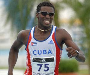 Cubano Leonel Suárez impone récord nacional en el heptatlón