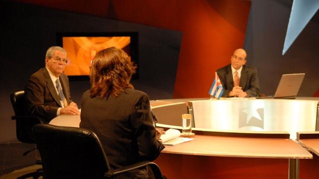 La presidenta de la Comisión Nacional Electoral llamó a la población a participar conscientemente en la nominación y elección de los mejores. Foto René García