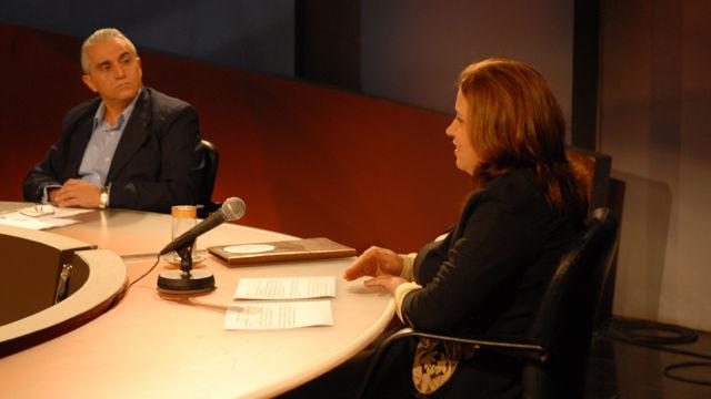 La jefa del Grupo Nacional de Seguridad Vial, Vivian Borroto, informó por su parte las nuevas regulaciones en el proyecto de legislación, para hacerla corresponder con los códigos internacionales