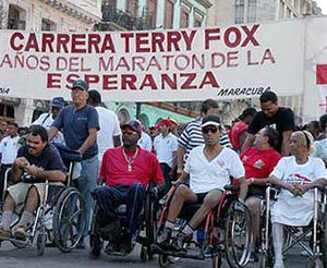 Masiva concurrencia de andarines en Carrera Terry Fox