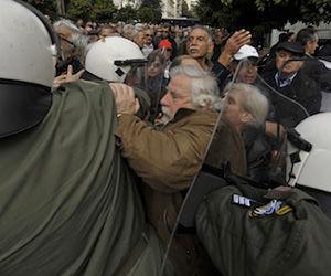 Persiste las protestas en Grecia por reajustes fiscales