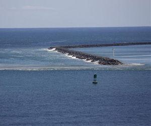 Foto: Archivo. Vista del oleaje que golpeó la costa de Hawai el 27 de febrero de 2010. Foto EFE / Bruce Omori.