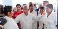 Primer vicepresidente comparte con colaboradores cubanos en Uruguay