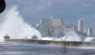 Fuerte penetración del mar por el litoral norte