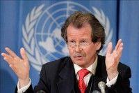 Manfred Nowak, relator especial de la ONU sobre tortura, responde preguntas de los periodistas tras presentar un informe-resumen de su mandato durante el Consejo de Derechos Humanos de la ONU en la sede europea de la organización en Ginebra, Suiza, hoy, miércoles 10 de marzo de 2010. EFE/Salvatore Di Nolfi