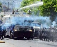La manifestación de este miércoles fue reprimida por los uniformados.  Foto El Heraldo