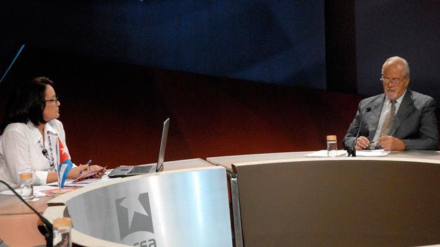 El profesor José Luis Méndez comentó que hoy se cumplen 51 años del inicio del programa estadounidense de acción encubierta contra Cuba. Foto René García