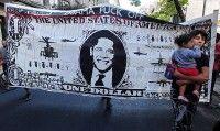 """""""Yanqui, go home""""; """"Obama, fuera de Libia y América Latina""""; """"No al pacto nuclear"""" y """"El imperialismo siempre es muerte, los asesinos cambian"""" fueron algunas de los lemas que portaron y corearon los manifestantes. (AFP)"""