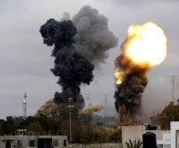 Tropas de Gadafi vuelven a tomar terminal petrolera de Ras Lanuf