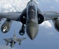 Aviones de la OTAN bombardean ciudades libias. Foto EFE