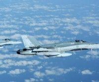 Aviones de la OTAN realizaron 154 vuelos en Libia la víspera. Foto Reuters