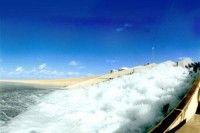 El acueducto que abastece a más de 60 porciento de la población libia es condiderado una maravilla de la ingeniería moderna. Foto Gobierno Libio