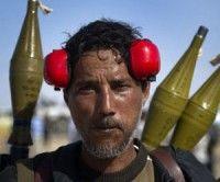 Rebeldes libios reciben armamento del exterior. Foto AFP