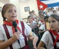 Pioneros cubanos en debates previos al Congreso. Foto TV Camaguey