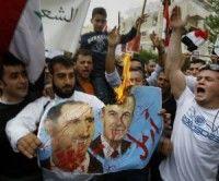 Manifestantes en Siria salen a las calles