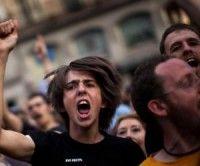 Manifestantes en una protesta en la Plaza del Sol en Madrid el 21 de mayo del 2011. Foto AP/Emilio Morenatti