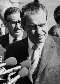 Imagen de archivo, tomada el 2 de octubre de 1970, del expresidente de los Estados Unidos, Richard Nixon, durante su visita a España. EFE/Archivo