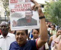 Pueblo venezolano sale a las calles para celebrar llegada de Chávez