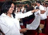 Graduados en Cuba jóvenes médicos