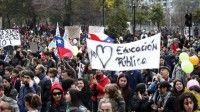 Masiva manifestación en Chile por una educación pública digna
