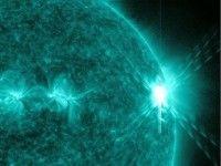 Esta imagen proporcionada por la NASA muestra una erupción solar ocurrida el martes 9 de agosto del 2011, la más grande en cinco años. Foto: AP/NASA