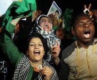 Libios respaldan a Gaddafi