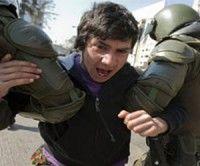 Represión contra estudiantes chilenos. Foto: TeleSUR