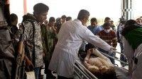 Un opositor libio es atendido en un hospital de Ajdabiya