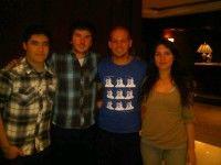 Acá con @camila_vallejo @GiorgioJackson y @freddyfuentesm dirigentes estudiantiles de Chile, escribió René en su cuenta en twitter @Calle13oficial