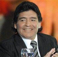 Diego Armando Maradona durante el Mundial de Sudáfrica 2010. Foto Archivo
