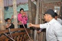 El presidente Ollanta Humala visita a los afectados por el terrremoto. Foto: EFE