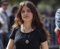 En esta foto tomada el 22 de septiembre del 2011, la líder estudiantil chilena Camila Vallejo camina después de participar en una manifestación en el centro de Santiago de Chile. Foto:AP Foto/Roberto Candia