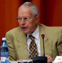 El Premio Nobel de Economia de 2006, Edmund Phelps, durante su participación en Encuentro de Economistas en La Habana. Foto: ANEC
