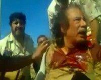 La imágen es parte del video que muestra los últimos minutos de vida del exlíder libio, Muamar Gadafi, quien fue capturado por los rebeldes que le dieron muerte. Foto: Reuters