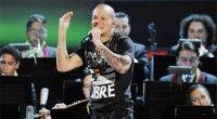 Calle 13 y la Orquesta Sinfónica de Venezuela en la entrega de los Grammys 2011