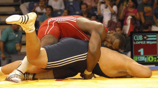 Mijain Lopez, abanderado de la delegación, obtuvo la Medalla de Oro de los XVI Juegos Panamericanos, en Lucha Grecoromana, en la division de 120 kilogramos. AIN FOTO/Juan PaBlo Carreras