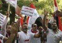 Miles de sirios protestan contra su suspesión en la Liga Árabe