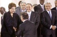 Dilma Rousseff saluda a Juan Manuel Santos