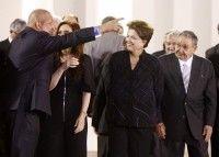 Hugo Chávez conversa con Cristina Fernández y Dilma Rousseff