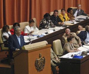 El General de Ejército Raúl Castro, presidente de los Consejos de Estado y de Ministros de Cuba, en la clausura del Octavo Periodo Ordinario de Sesiones de la Séptima Legislatura de la Asamblea Nacional del Poder Popular