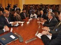 Encuentro del General de Ejército Raúl Castro Ruz con la Primera Ministra de Trinidad y Tobago, Kamla Persad-Bissessar. Foto: Estudios Revolución/Cubadebate