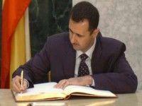 El presidente sirio, Bashar Al Assad, promulgó este martes la nueva Contitución del país