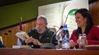 Presentación del libro Fidel Castro Ruz: Guerrillero del tiempo. El Comandante compartió con periodistas, intelectuales, amigos y familiares de Los Cinco. Foto: Roberto Chile/Cubadebate
