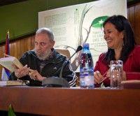 """Fidel Castro Ruz junto a Katiuska Blanco en la presentación en La Habana de """"Fidel Castro: Guerrillero del Tiempo"""""""