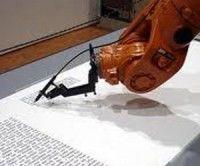 Robot alemán transcribió la Biblia en nueve meses
