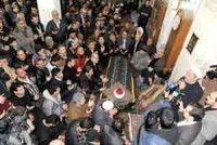 Entierro de sacerdote sirio