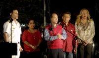 """Intervención de Edgardo Ramírez (C), embajador de la República Bolivariana de Venezuela en Cuba,  durante la """"Cantata por la Vida"""", por la pronta recuperación del Comandante Hugo Chávez, realizada el 6 de marzo de 2012, en la Casa del Alba, en La Habana.  AIN FOTO/Oriol de la Cruz ATENCIO"""