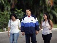 Nuevas imágenes de la recuperación de Chavéz en Cuba